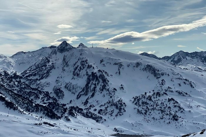 noticia ski Baqueira Beret cierra sus pistas hoy 13 de marzo