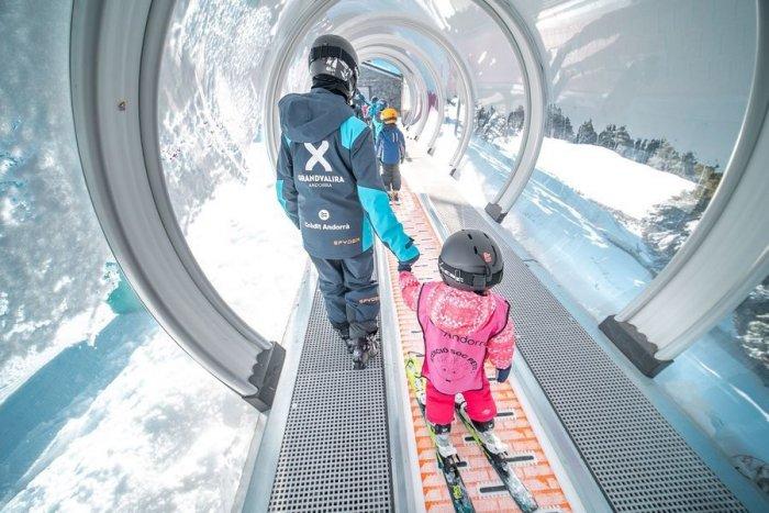 noticia ski Andorra se vuelca con los temporeros atrapados por culpa del COVID-19