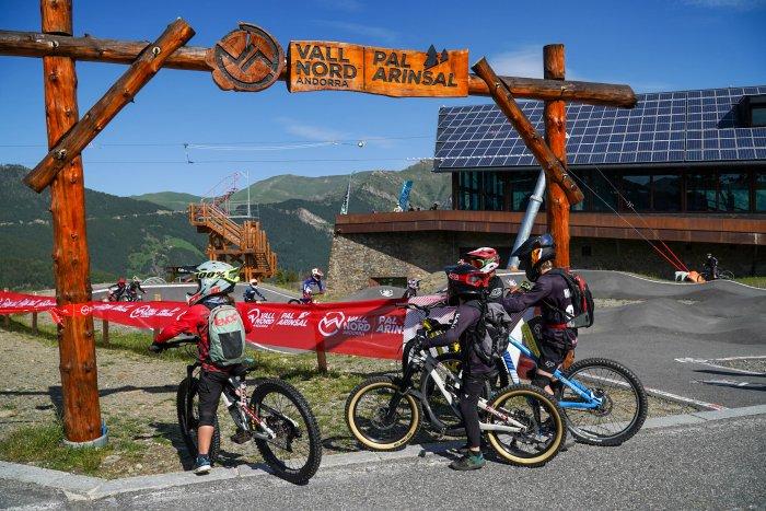 noticia ski Vallnord – Pal Arinsal estrena el primer fin de semana con más de 1700 riders en el Bike Park y mantendrá la apertura hasta el 13 de septiembre