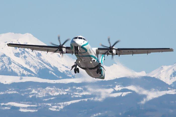 noticia ski Iberia y Air France candidatas a operar vuelos desde el aeropuerto Andorra-La Seu