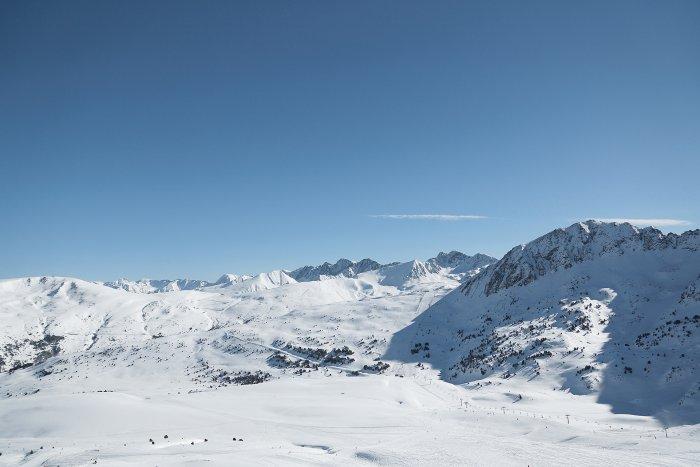 noticia ski Grandvalira y Ordino Arcalís demoran la fecha de apertura a principios del mes de  enero.