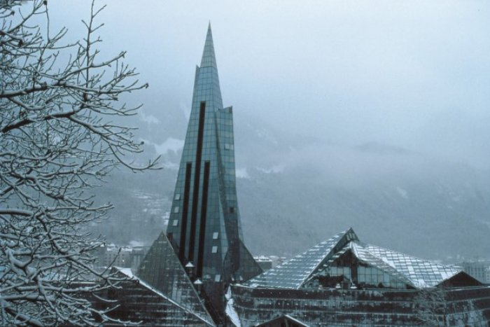 noticia ski Caldea convertirá la emblemática torre en un hotel que inaugurará en 2023.