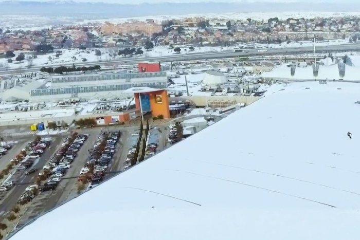 noticia ski ¿Esquiar en el tejado de Madrid SnowZone? ¡Es posible!