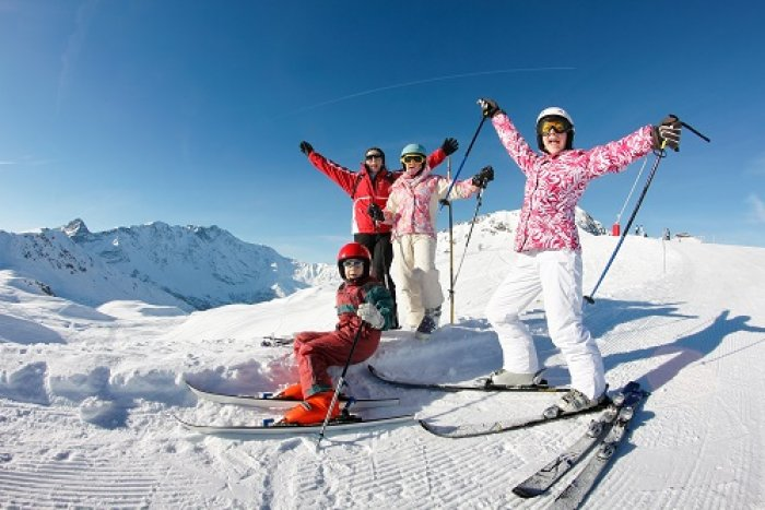 noticia ski Suiza levanta la cuarenta a los viajeros de España.
