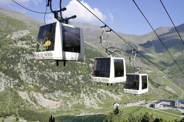 noticia ski FGC retira 529 toneladas de chatarra de las cinco estaciones de esquí en 2020