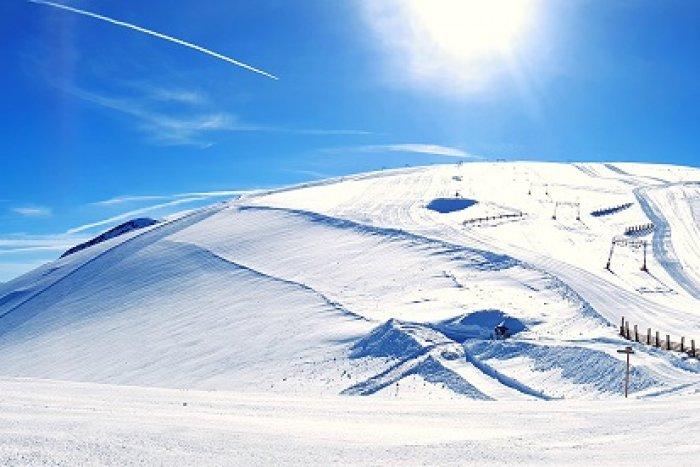 noticia ski Les 2 Alpes será el primer glaciar que abre al esquí en Francia.