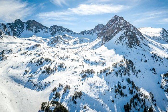 noticia ski ¡Los mejores complementos para tu esquiada en Andorra!
