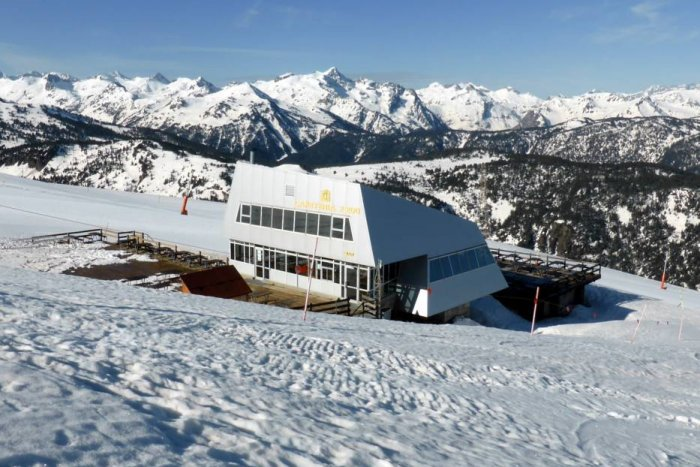noticia ski Baqueira Beret quiere renovar la cafetería de la cota 2.200