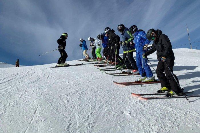noticia ski Aramón impulsa un centro de formación de profesores de esquí que impartirá sus clases en Aragón