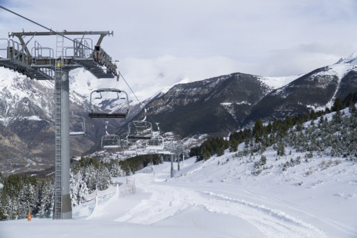 noticia ski Cerler estrena temporada y Formigal-Panticosa suma más de 100 km para el fin de semana