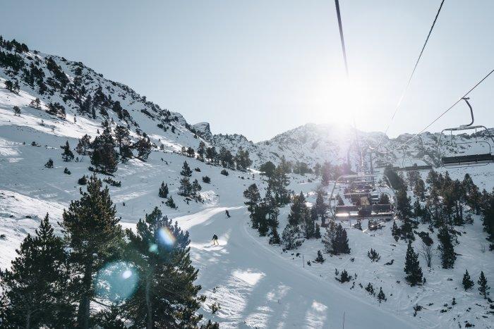 noticia ski Ordino Arcalís recibe cerca de 6.000 esquiadores  durante el Puente de la Inmaculada