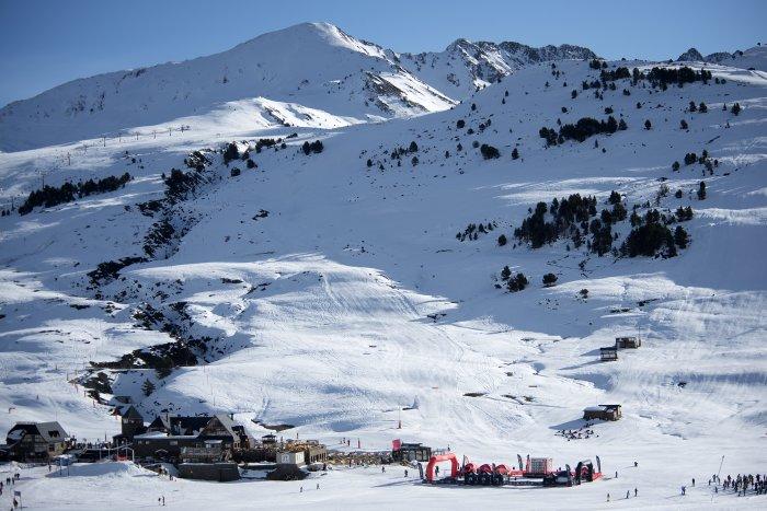 noticia ski Cerca de 50.000 esquiadores han disfrutado de Baqueira Beret durante el puente de diciembre