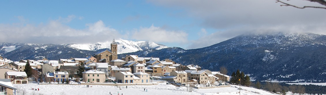 Our Top Deals for Christmas Ski Holidays 2021 in Les Angles